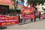 'Căng băng rôn' bùng phát ở chung cư Hà Nội sau thảm hoạ cháy Carina