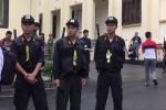 Video: An ninh thắt chặt trước giờ khai mạc phiên tòa xét xử ông Phan Văn Vĩnh