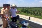 Hai cô gái chết bất thường ở Hưng Yên: Người thân mang quan tài đến trụ sở công an
