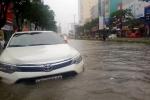 Đà Nẵng mưa ngập lịch sử: Xót xa hàng loạt xe sang 'chết chìm' dưới hầm