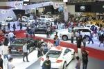 Ô tô nhập khẩu: Giảm số lượng, giá tăng gần 200 triệu đồng