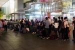 Video: Apple Store Singapore giải tán người Việt xếp hàng sớm mua iPhone
