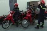 Cảnh sát chữa cháy Hà Nội cải tiến xe Wave để dập lửa