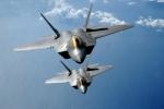 Mỹ tung F-22 chặn 2 máy bay ném bom Nga áp sát biên giới