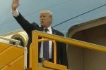 Video: Tổng thống Trump liên tục nói 'Cảm ơn', vẫy tay tạm biệt Hà Nội
