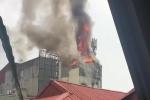 Clip: Cháy lớn quán karaoke ở phố Hào Nam, Hà Nội