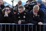 Vardy, Schmeichel rơi nước mắt trước di ảnh Chủ tịch Leicester City