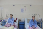 Hai cụ bà cùng độ tuổi, cùng quê, cùng căn bệnh và cùng được phẫu thuật thành công