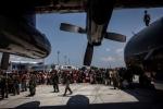 Tuyệt vọng bao trùm thành phố ở Indonesia, hàng nghìn người chen nhau đi lánh nạn