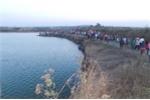 Dừng xả nước thủy điện tìm kiếm thi thể học sinh lớp 5 mất tích