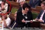 Video: Nữ bộ trưởng Canada cho con bú trong phiên họp quốc hội gây 'bão'