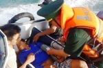Bộ đội Biên phòng Quảng Bình cứu sống 7 ngư dân gặp nạn trên biển