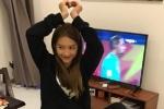 Khả Ngân vui mừng trước chiến thắng U23 Việt Nam, nhảy nhót đến mức bong gân