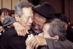 Người Hàn - Triều khóc ngất trong ngày đoàn tụ gia đình sau 70 năm