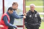 Mourinho có sẵn lòng làm điểm tựa cho Luke Shaw?