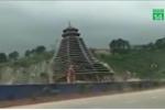 Trung Quốc: Tòa tháp 23 tầng đổ sập sau một trận gió không quá mạnh