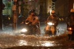 Ảnh hưởng bão số 3, Hà Nội ngập sâu sau cơn mưa lớn