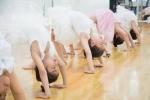 Khám phá lớp học múa ballet cổ điển của những em nhỏ giữa Thủ đô