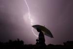 Nghe điện thoại di động giữa trời giông bão có gây nguy hiểm?