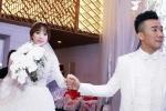 Hari Won rạng ngời hạnh phúc, nắm chặt tay Trấn Thành