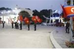 Anh: Quang Ninh treo co trong dem don phai doan Trieu Tien tham vinh Ha Long hinh anh 7