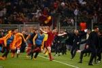 Dấu ấn cúp C1 đêm qua: AS Roma hất cẳng Barca, trọng tài xử ép Man City