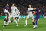 Dấu ấn vòng 1/8 Cúp C1: Messi phá dớp, MU bị loại ê chề