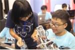 Học sinh Thủ đô trổ tài lắp robot, lập trình phần mềm