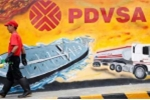 Thảm cảnh công nhân dầu khí Venezuela bán đồng phục để mua thức ăn