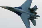 Video: Tiêm kích Su-27 Nga đánh chặn máy bay do thám Mỹ trên Biển Đen