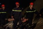 Xe Mercedes tông gãy lan can cầu Chương Dương, lao xuống sông: Hai người thiệt mạng