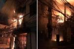 Cháy nhà 4 tầng trên phố Hà Nội, người dân sợ hãi nhảy từ tầng 2 xuống đất