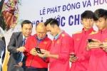 """Tuyển Việt Nam hưởng ứng chương trình """"Cả nước chung tay vì người nghèo"""""""