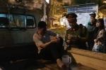 Ô tô kéo lê xe máy hàng trăm mét trên phố Hà Nội: Xác định danh tính tài xế xe 'điên'