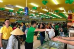 Bách hóa Xanh đang tái hiện khung cảnh khai trương 'đông như hội' của thegioididong.com cách đây 6 năm