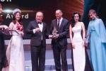 Á hậu quý tộc Loan Vương nhận giải thưởng từ hoàng gia Malaysia
