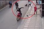 Phóng xe tông thẳng tên cướp giật dây chuyền trên phố Sài Gòn