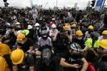 Hàng chục nghìn người biểu tình, Hong Kong hoãn thảo luận dự luật dẫn độ
