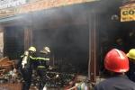 Cháy lớn trong ngôi nhà khóa trái cửa ở TP.HCM, hàng xóm hốt hoảng di dời đồ đạc