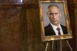 Treo chân dung ông Putin trong tòa nhà chính quyền bang, quan chức Mỹ bị kỷ luật