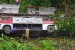 Xe khách giường nằm lao xuống vực ở Cao Bằng, ít nhất 4 người chết