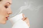 8 tác dụng không thể ngờ từ một cốc nước ấm mỗi ngày