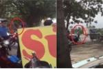 Thực hư người đàn ông cầm đao, giành giật biển quảng cáo với thanh tra giao thông ở Hà Nội