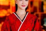 Tran Kieu An, Dich Le Nhiet Ba va dan my nhan Hoa ngu do sac khi dien ao do trong phim co trang hinh anh 6