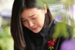 Phi Nhung, Quyen Linh nghen ngao den vieng nghe si Thanh Hoang luc toi muon hinh anh 14