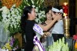 Phi Nhung, Quyen Linh nghen ngao den vieng nghe si Thanh Hoang luc toi muon hinh anh 6