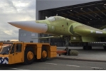 Ảnh, video: Cận cảnh siêu máy bay 'Thiên nga trắng' Tu-160M2 ra khỏi nhà máy