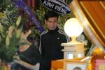 Phi Nhung, Quyen Linh nghen ngao den vieng nghe si Thanh Hoang luc toi muon hinh anh 10