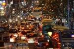 Bị kích động, nhiều người xuống đường gây rối, giao thông nhiều thành phố tê liệt