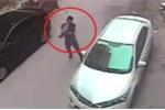 Clip: Ủ mưu ném gạch đập vỡ kính ô tô và cái kết bẽ mặt